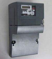 スマートメーター(写真は東京電力のもの。外観はメーカーにより異なります。)出典:東京電力